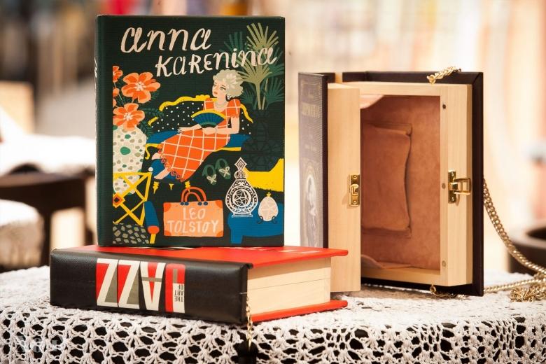 Где одеться в Украине: деревянные клатчи-книги doob.vosk