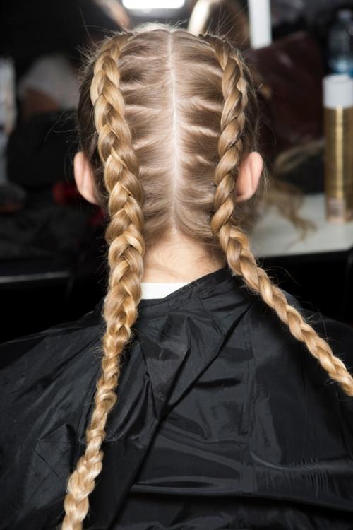 Заплети: как выглядят модные косы сезона весна-лето (+ВИДЕО) - фото №1