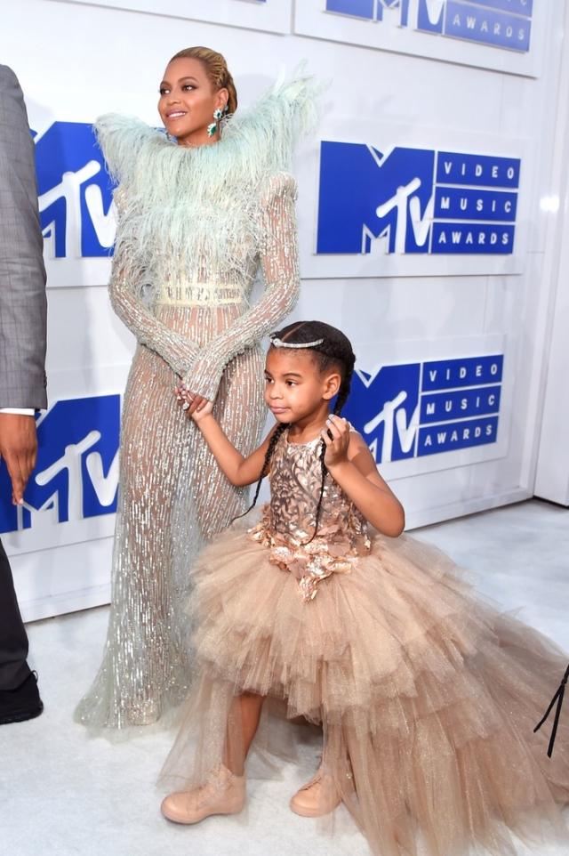 Красная дорожка MTV Video Music Awards-2016: Бейонсе