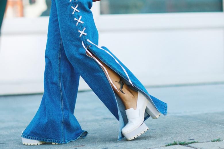 брюки клеш с какой обувью носить