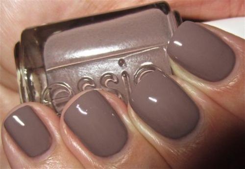 12 модных оттенков лака для ногтей, которые стоит попробовать этой осенью - фото №22