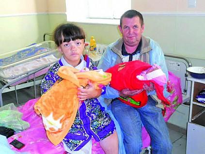 Как распознать карликовость у ребенка. Говорить Україна покажет маму-дюймовочку - фото №1