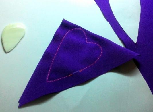 Как сделать новогодние украшения из старых вещей: пошаговая инструкция от мастера хенд-мейда - фото №11