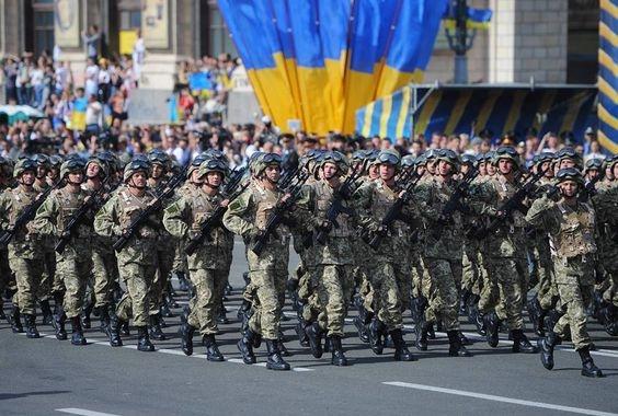 На Крещатике пройдет военный парад