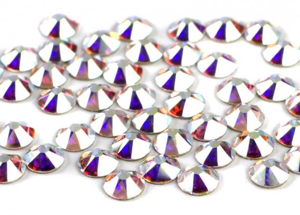 Стразы на века: что мы знаем о кристаллах Сваровски и почему их так ценят в высшем обществе - фото №4