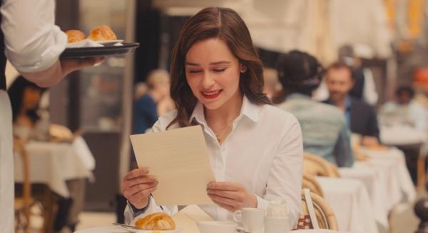 Эмилия Кларк в роли Луизы Кларк в фильме «До встречи с тобой» кадр