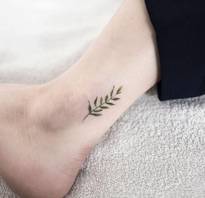 татуировка ветка, татуировка веточка