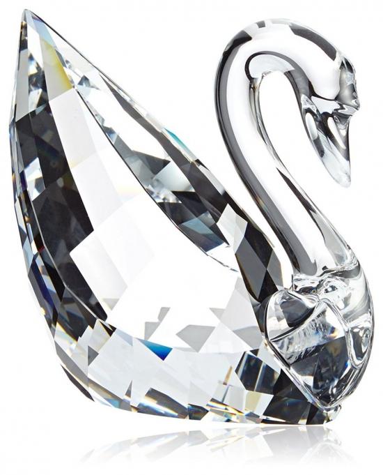 Стразы на века: что мы знаем о кристаллах Сваровски и почему их так ценят в высшем обществе - фото №10