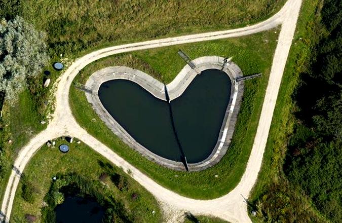 Романтикам на заметку: места на Земле в виде сердца - фото №19
