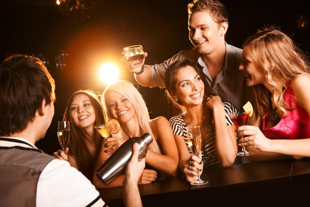 вечеринка в баре