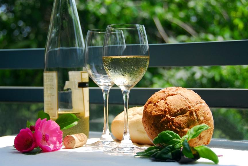 Как правильно выбрать белое вино? - фото №1