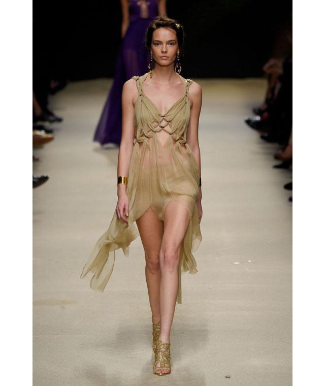 Неделя моды в Милане 2015 как носить прозрачные вещи