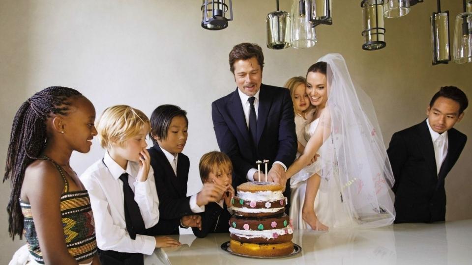 Развод Анджелины Джоли и Брэда Питта: хроника семейной жизни самой красивой пары мира (измена, дети, рак, брачный контракт) - фото №45