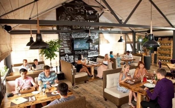 Топ-10 лучших ресторанов и кафе с летними террасами в Киеве - фото №6