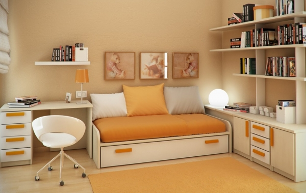 прямоугольная маленькая комната