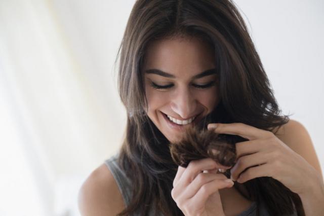 Секущиеся кончики: как вылечить волосы и понять почему они секутся - фото №1