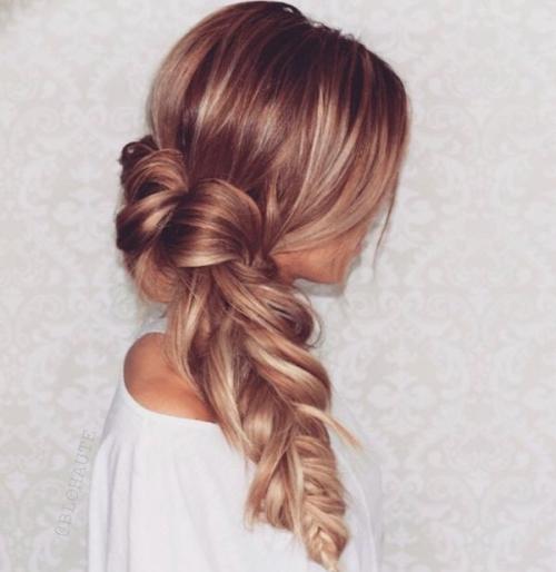 Какую прическу сделать на последний звонок: лучшие прически на длинные и средние волосы (ФОТО) - фото №28