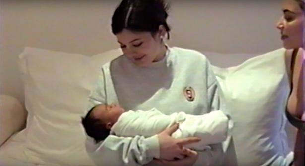Кайли Дженнер с ребенком
