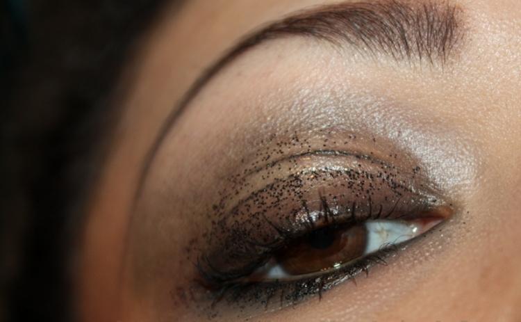 Какие ошибки в макияже глаз мы допускаем и как их исправить - фото №2