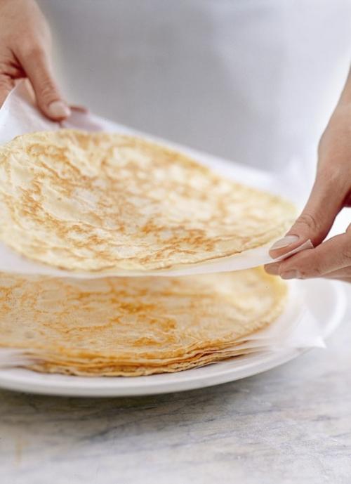 Как сделать блины на Масленицу полезнее: рецепты блинов на кукурузной муке - фото №2