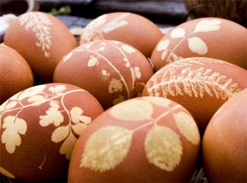 Как покрасить яйца луковой шелухой: топ 5 вариантов - фото №5