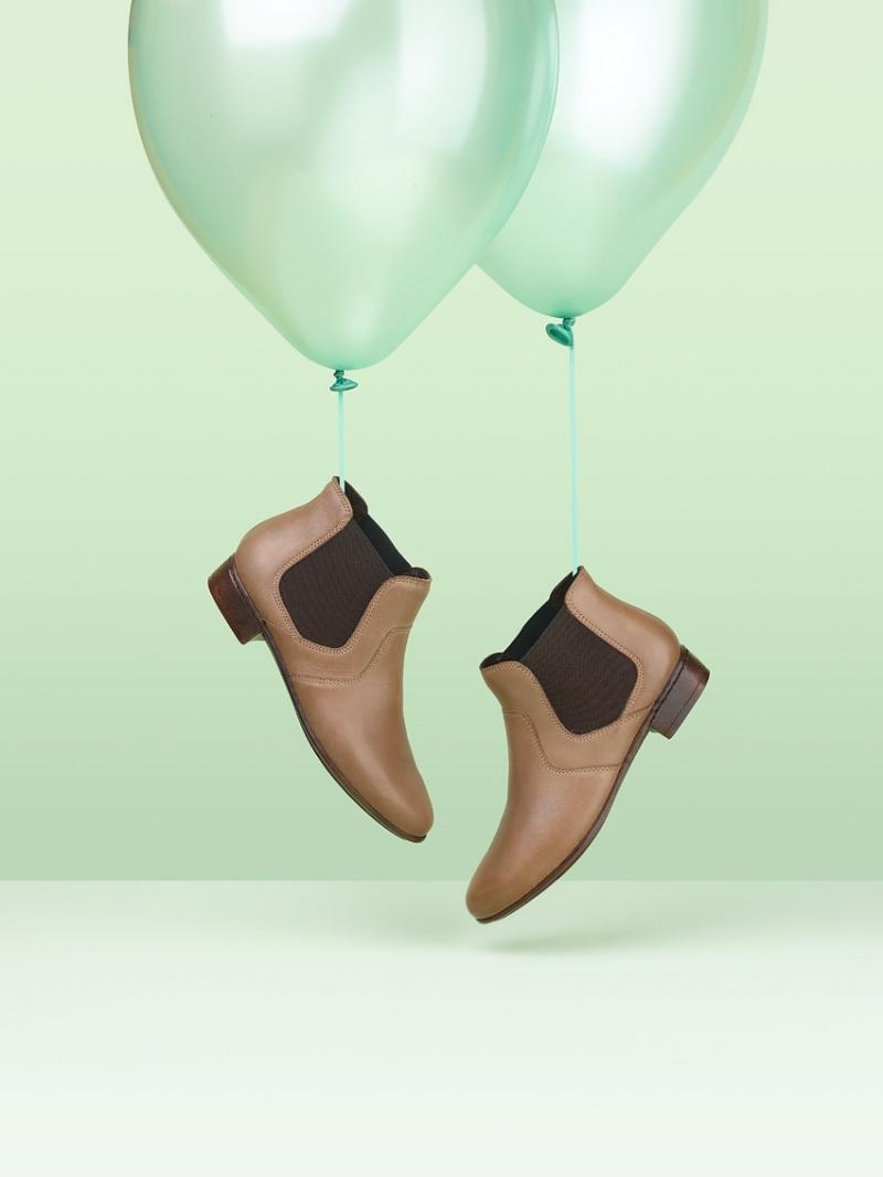 Как разносить обувь, которая жмет в пальцах, в домашних условиях
