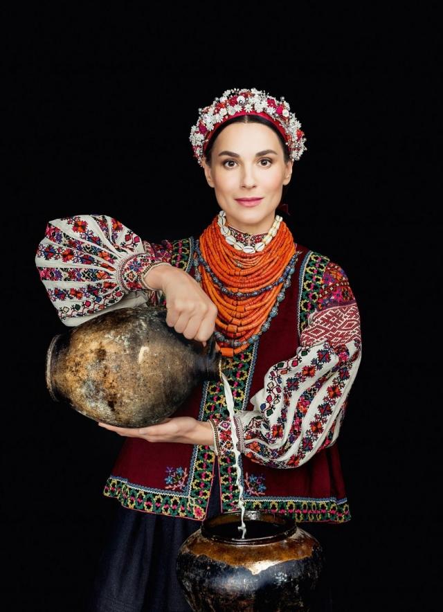 Маша Ефросинина в календаре Щирі 2016