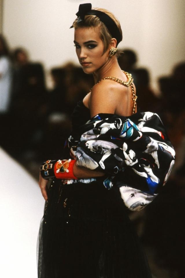 или-Роуз Депп в винтажном бомбере Chanel