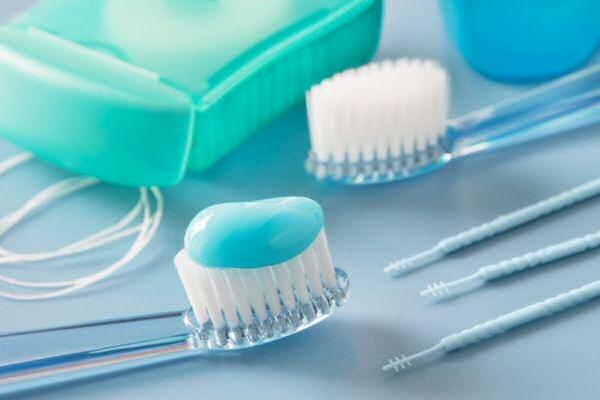 чистка зубов фото
