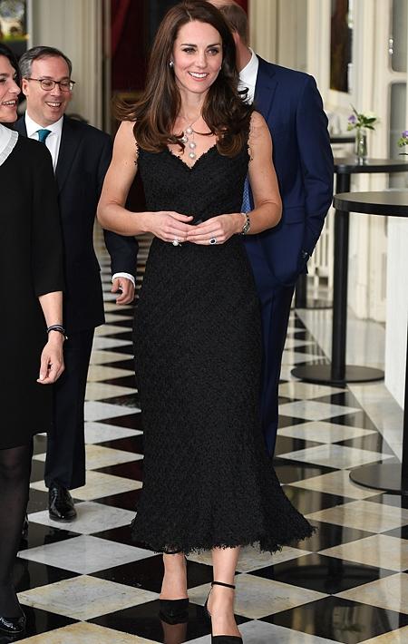 Кейт Миддлтон экстренно госипитализировали: британцы молятся о здоровье герцогини Кембриджской - фото №2
