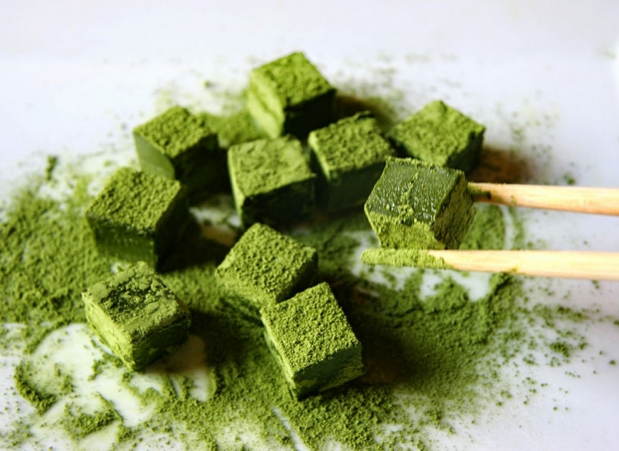 1 чашка чая матча вместо 10 чашек зеленого чая: зачем и как использовать чай матча в кулинарии - фото №1