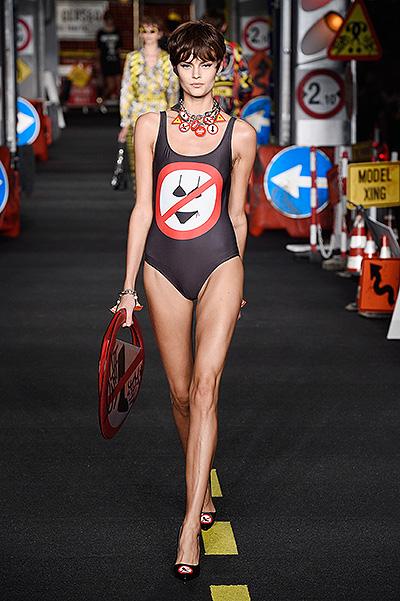 Неделя моды в Милане 2015 модные купальники