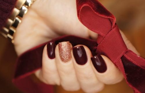 12 модных оттенков лака для ногтей, которые стоит попробовать этой осенью - фото №12