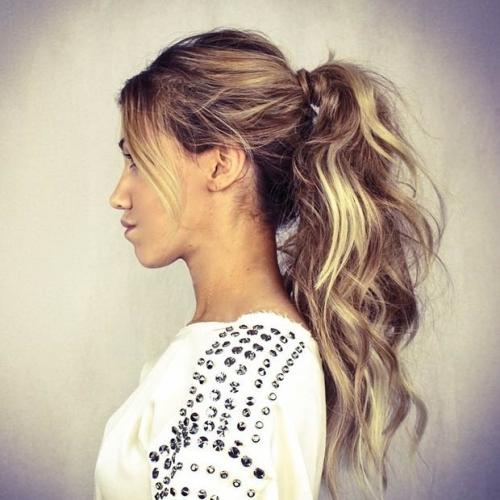 Какую прическу сделать на последний звонок: лучшие прически на длинные и средние волосы (ФОТО) - фото №21