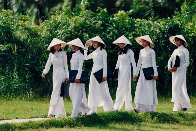 Самая красивая школьная форма в разных странах мира      Школьняа форма Вьетнам