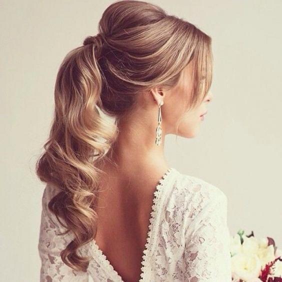 причёска на выпускной на длинные волосы фото