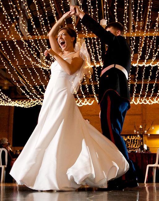 Как сделать незабываемым первый танец молодоженов - фото №1