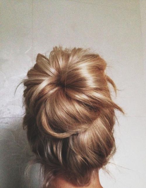 Какую прическу сделать на последний звонок: лучшие прически на длинные и средние волосы (ФОТО) - фото №54
