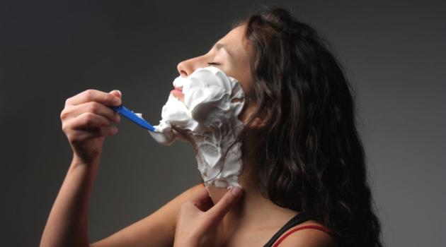 Как удалить волосы на лице в домашних условиях - фото №1