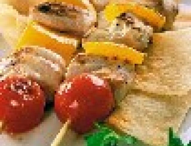 Шашлычки из курицы с абрикосами и перцем.