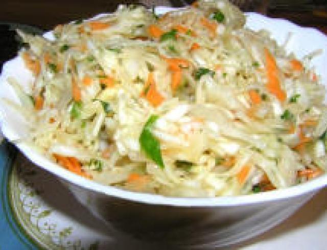 Салат из белокочанной капусты с говядиной