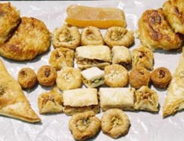 Яичмиш- сладости восточные (блюдо туркменской кухни)