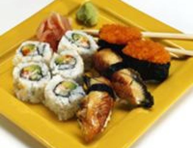 Нигири суши  с осьминогом