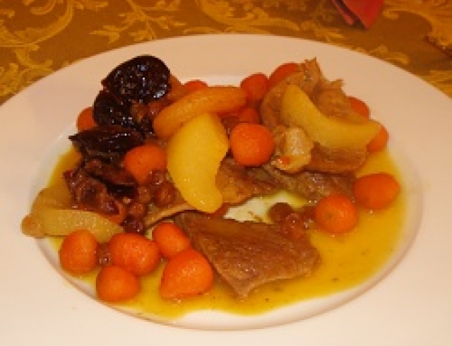 Цимес из фасоли с черносливом (блюдо еврейской кухни)
