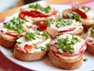Потапцы с помидорами (гренки)