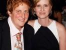 Лесбиянка Синтия Никсон стала мамой. Или папой
