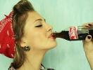 Женщинам запретили курить и пить газировку