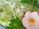 Салаты из молодой капусты: топ 3 блюда