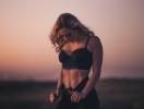 ТОП-8 упражнений для красивой груди