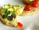 """Новогодняя закуска """"Змея"""": с тунцом и яичным салатом"""